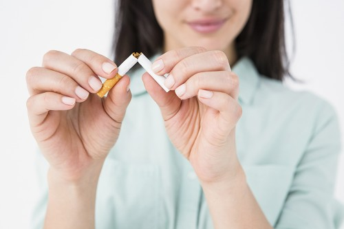 Quitting smoking overnight 'better than cutting down gradually'